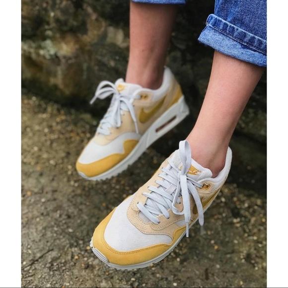 sports shoes 8c4a0 dd03c M 5c7acd63bb7615398125df84